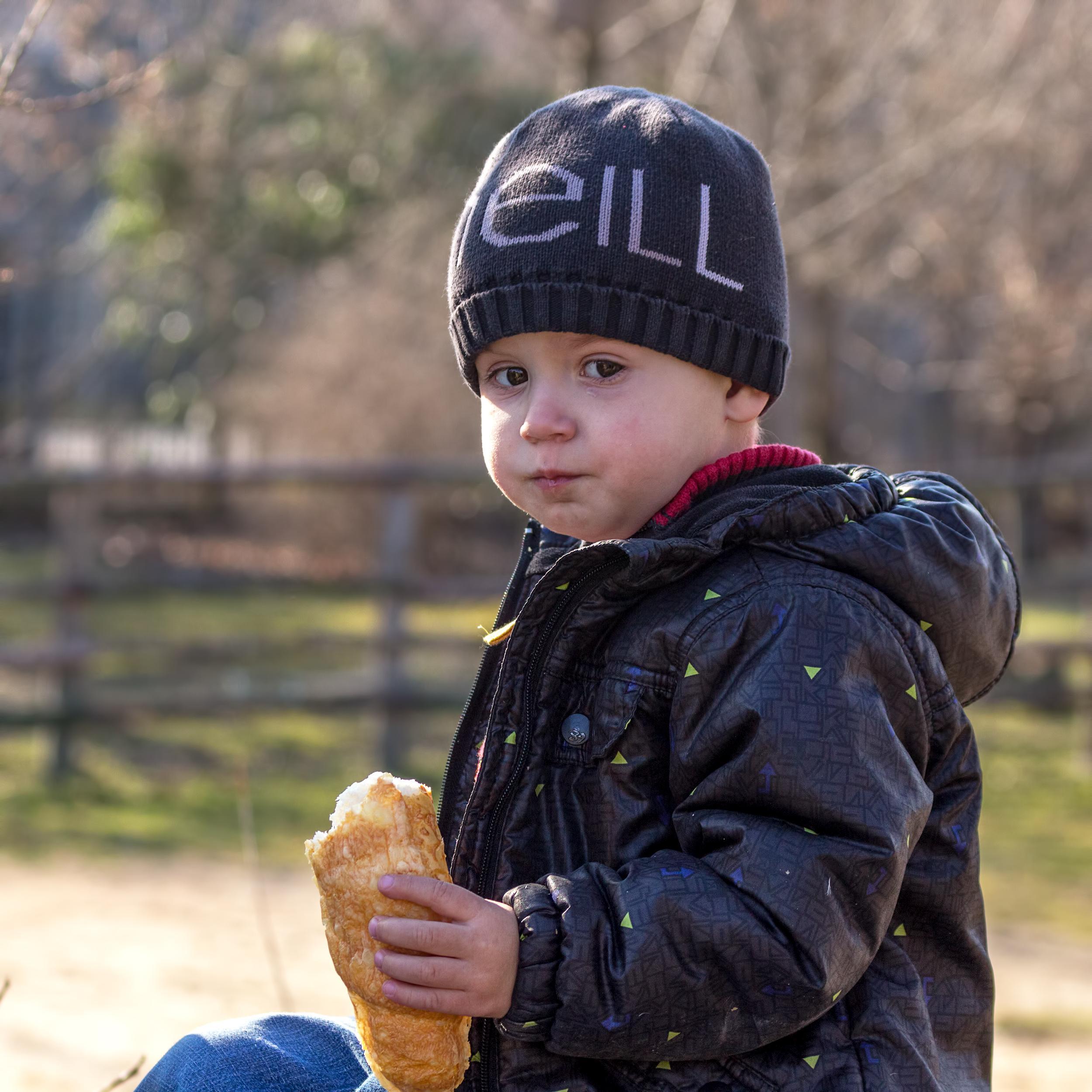 """Photo of """"Copilul meu cu autism este la o şcoală normală şi vorbeşte!"""""""