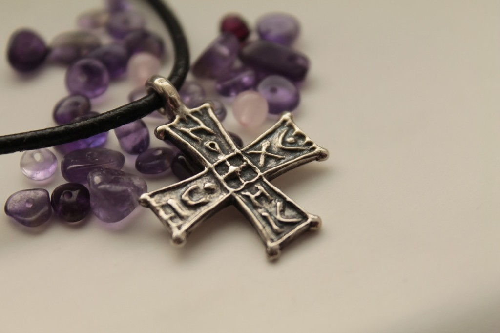 cruce de ametist